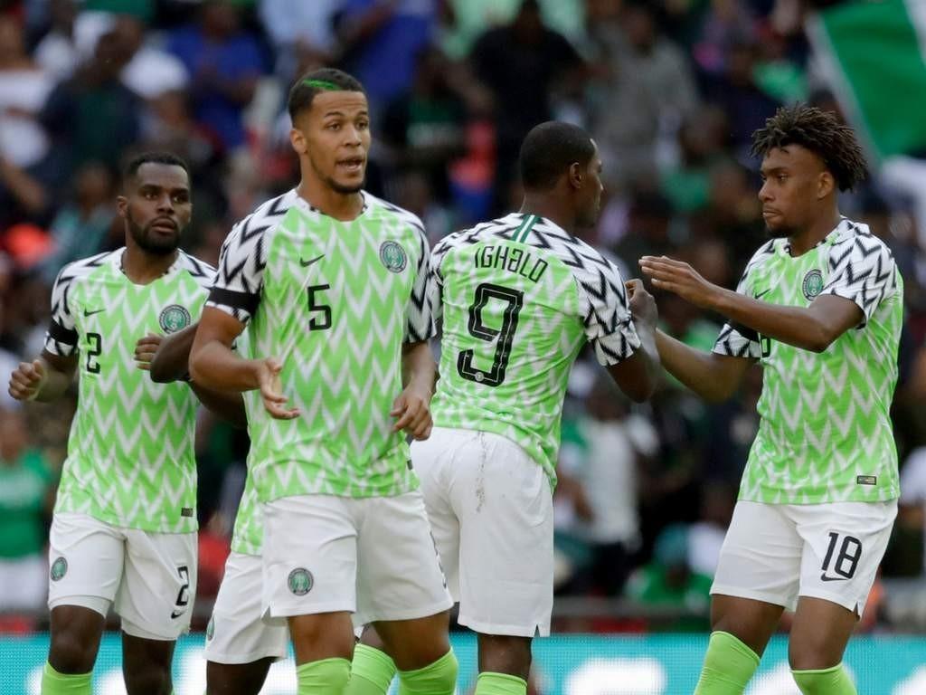hermosa en color garantía de alta calidad siempre popular Camiseta de Nigeria gana Mundial de la moda - Versus