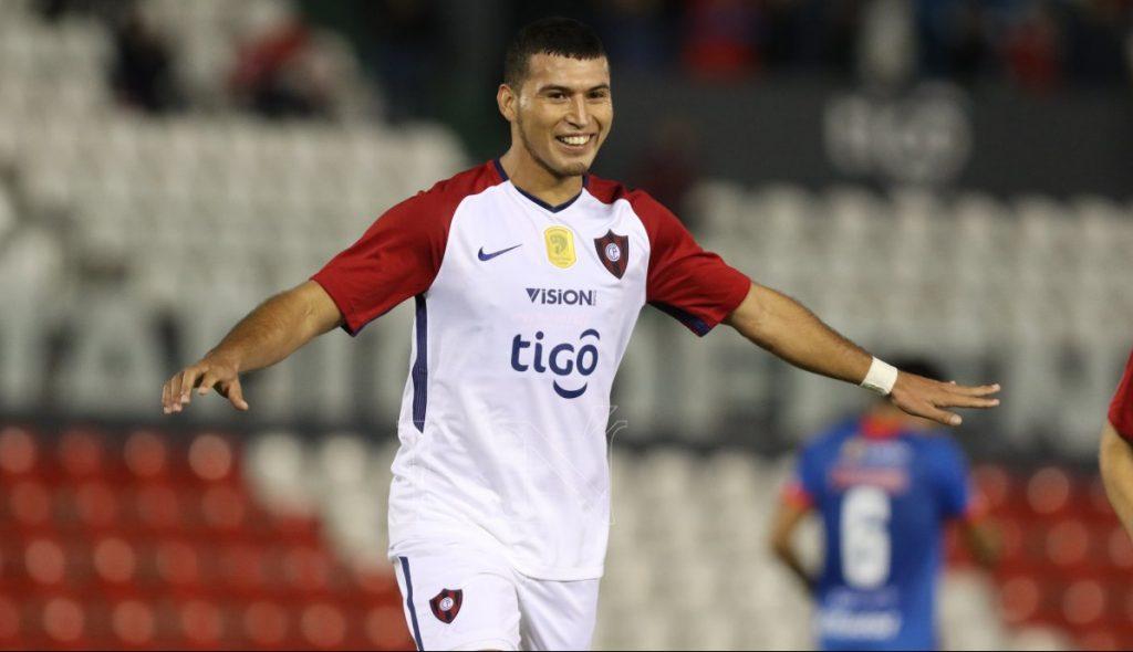 Juan Escobar sería el más caro del fútbol paraguayo