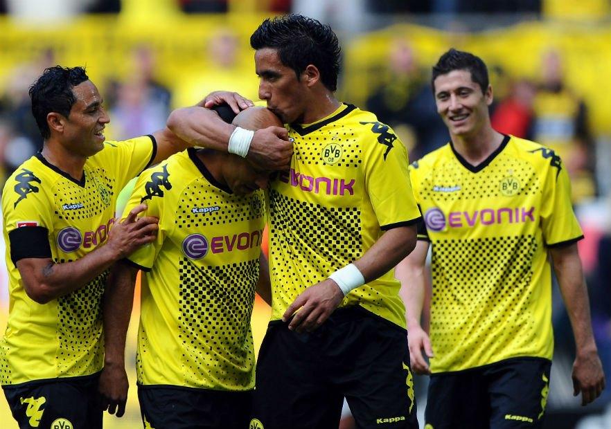 LucasBarrios_Lewandowski_BorussiaDortmund - Versus